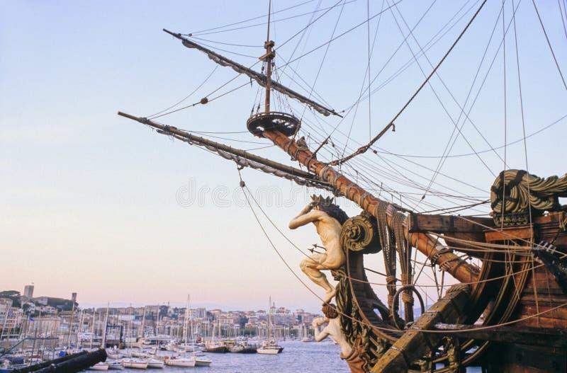 Download Galleon imagen de archivo. Imagen de arqueamientos, viento - 1282523