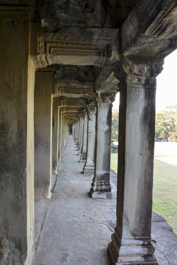 Galleri i väggen Angkor Wat Cambogia arkivfoton