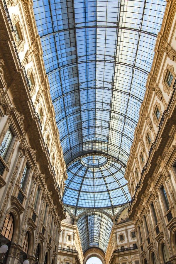 galleria ΙΙ του Emanuele vittorio του Μιλάνου στοκ φωτογραφία