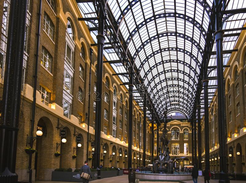 Galleria сена в Лондоне, рознице и галерее офиса стоковые фотографии rf