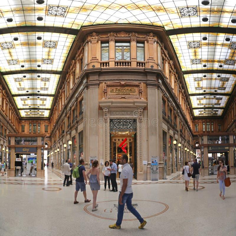 Galleria Alberto Sordi Ρώμη στοκ εικόνες