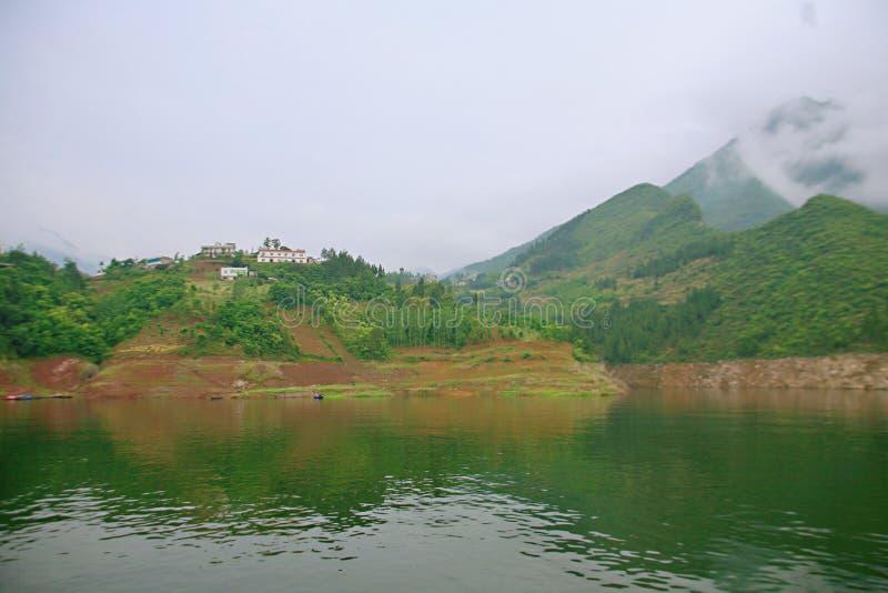 Download Galleria Di Yichang Qingjiang Immagine Stock - Immagine di fiume, nantes: 117978959