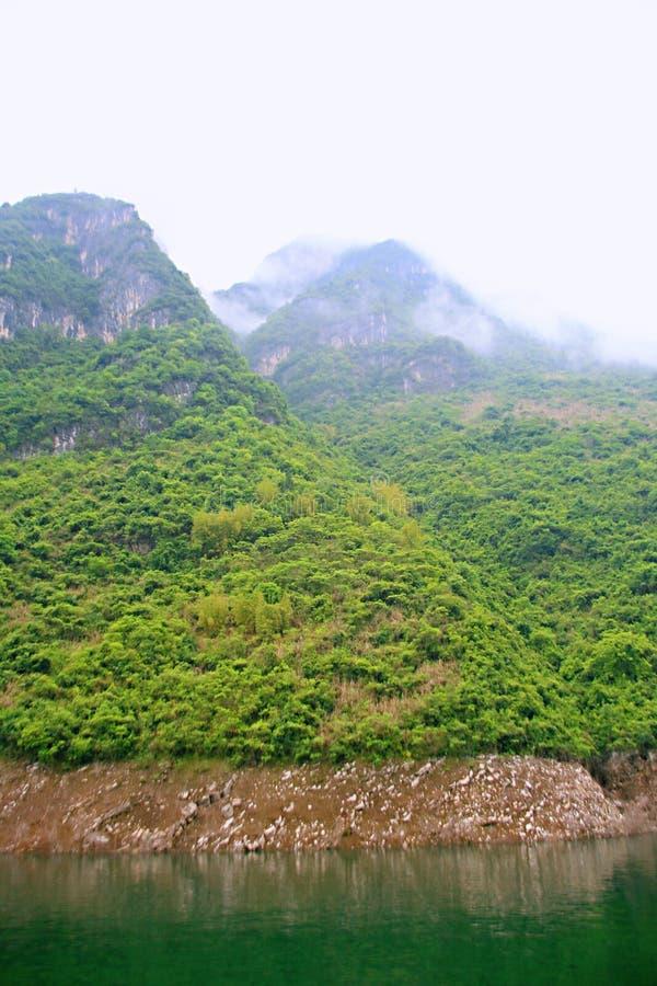 Download Galleria Di Yichang Qingjiang Fotografia Stock - Immagine di fiume, galleria: 117978960