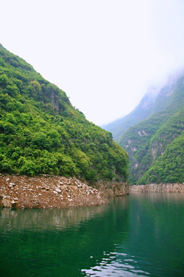 Download Galleria Di Yichang Qingjiang Fotografia Stock - Immagine di radura, yangtze: 117979240
