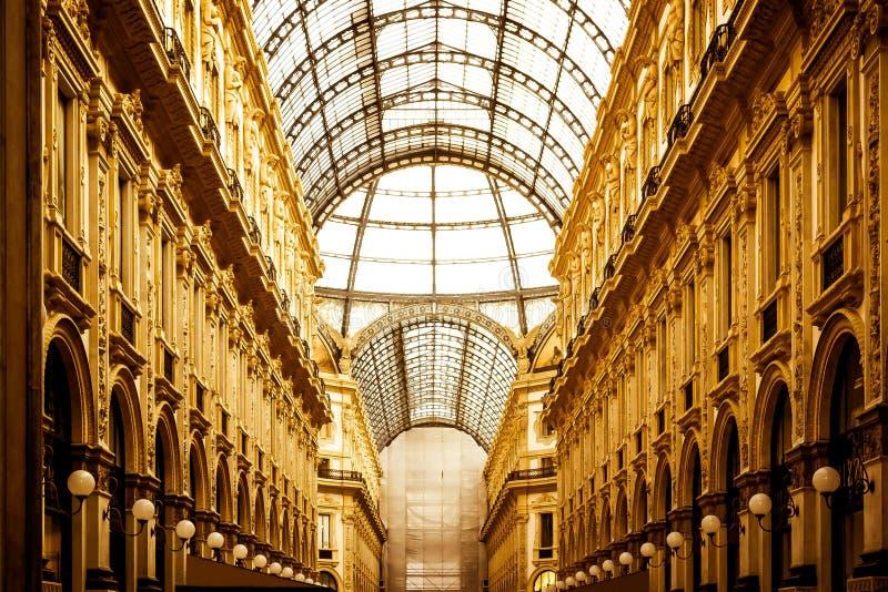 Download Galleria dorata immagine stock. Immagine di architettura - 59514705