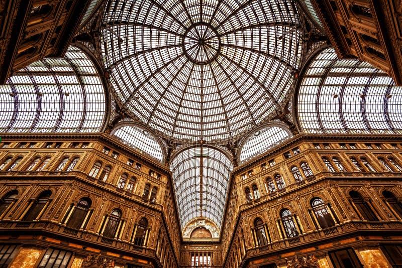 Galleria Umberto I in Neapel stockfotos