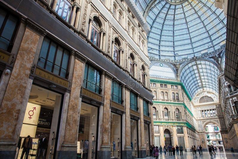 Galleria Umberto yo una galería que hace compras pública en Nápoles foto de archivo libre de regalías
