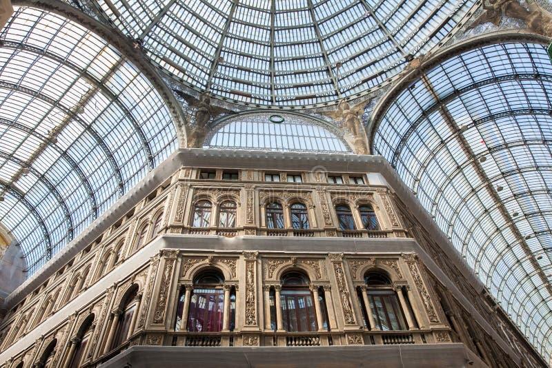 Galleria Umberto yo una galería que hace compras pública en Nápoles imagen de archivo libre de regalías