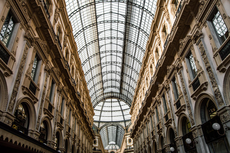 Galleria Vittoria Emmanuelle ii royaltyfri bild