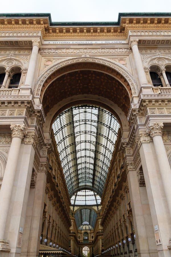 Galleria Vittorio Emanuele ΙΙ άποψη Διάσημο ιταλικό ορόσημο στοκ φωτογραφία με δικαίωμα ελεύθερης χρήσης