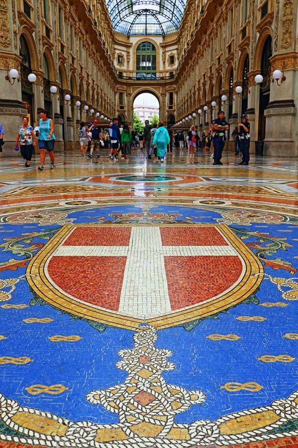 Galleria Vittorio Emanuele ΙΙ αλεσμένο όμορφο μωσαϊκό Μιλάνο Ιταλία στοκ φωτογραφία