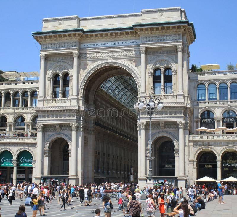Galleria Vittorio Emanuele ΙΙ, εξωτερικό στοκ εικόνες