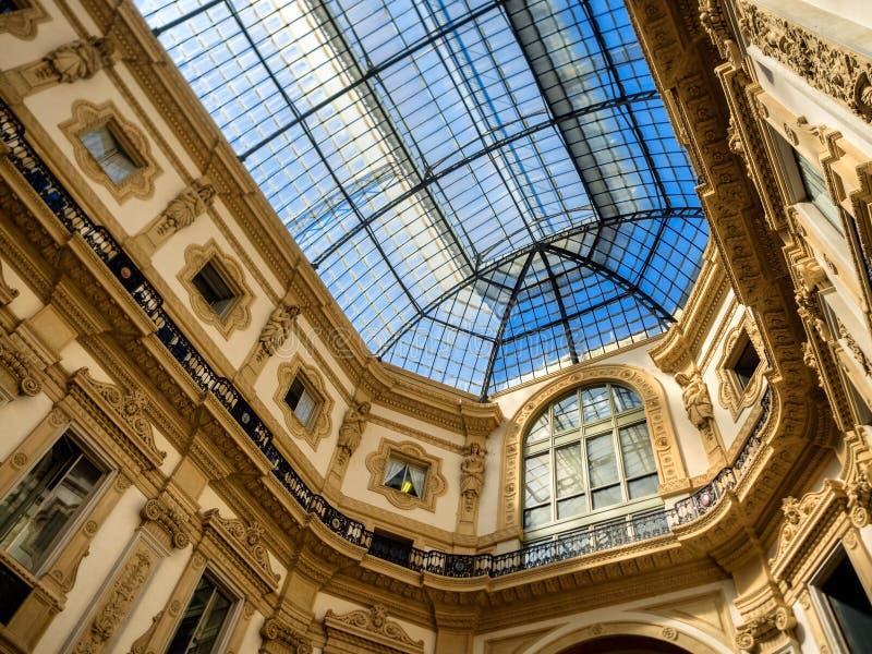 Galleria Vittorio Emanuele ΙΙ λεωφόρος τέχνης αγορών στο Μιλάνο στοκ εικόνα