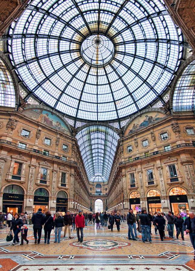 Galleria Vittorio Emanuele ΙΙ. Μιλάνο, Ιταλία. στοκ φωτογραφία με δικαίωμα ελεύθερης χρήσης