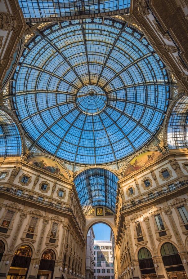 Galleria Vittorio Emanuele ΙΙ που ψωνίζει arcade, Μιλάνο, Ιταλία στοκ φωτογραφία με δικαίωμα ελεύθερης χρήσης
