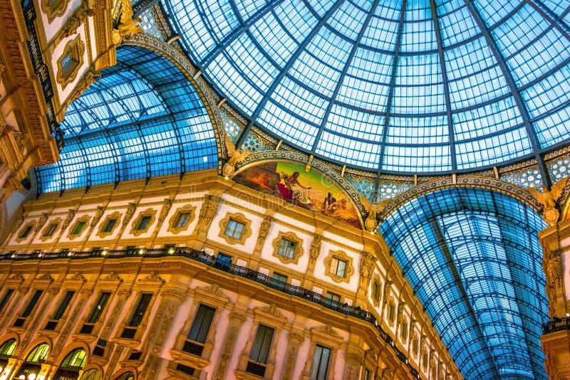 Galleria Vittorio Emanuele ΙΙ στο κέντρο του Μιλάνου, Ιταλία στοκ φωτογραφία