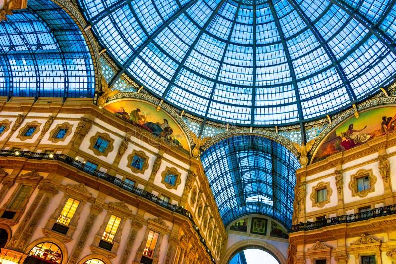 Galleria Vittorio Emanuele ΙΙ στο κέντρο του Μιλάνου, Ιταλία στοκ φωτογραφία με δικαίωμα ελεύθερης χρήσης