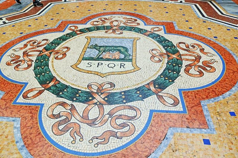 Galleria Vittorio Emanuele ΙΙ όμορφο μωσαϊκό Μιλάνο Ιταλία στοκ εικόνες