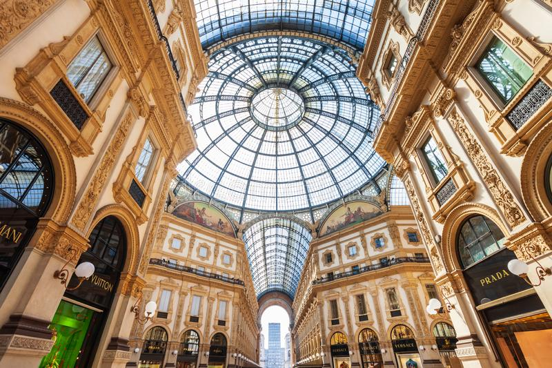 Galleria Vittorio Emanuele II, Милан стоковое изображение