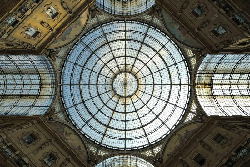 Galleria Vittorio Emanuele II arcade, Milaan, Italië stock fotografie