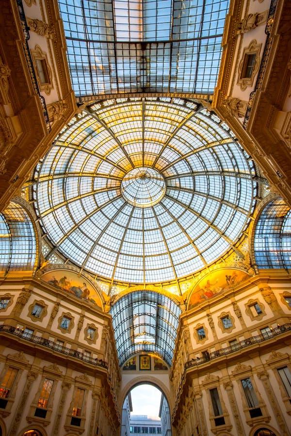 Galleria Vittorio Emanuele II en Milano imágenes de archivo libres de regalías