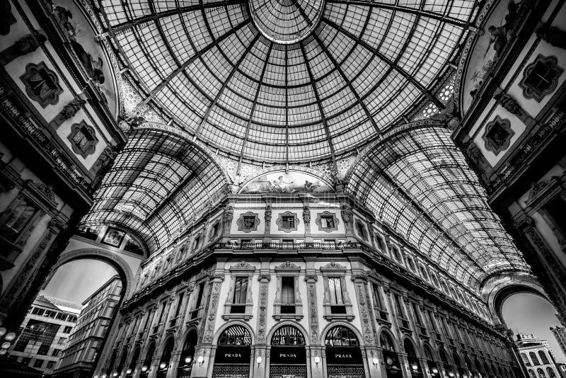 Galleria Vittorio Emanuele II en Milano foto de archivo