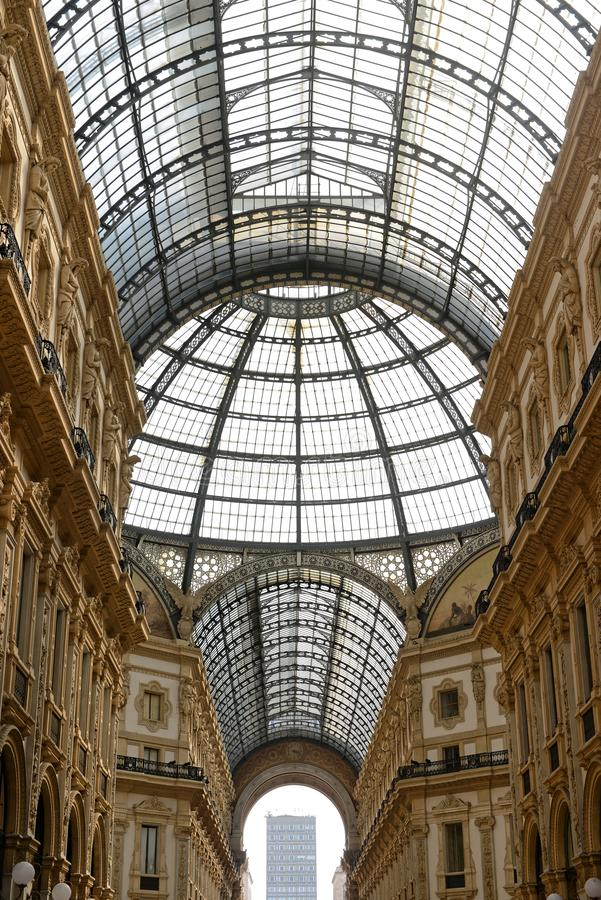 Galleria Vittorio Emanuele II Milaan - glasdak royalty-vrije stock foto