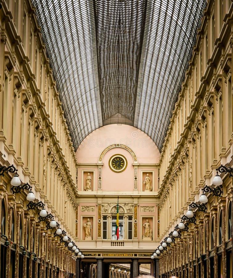Gallerie de la Reine im Heiligen Hubert, Brüssel stockbilder