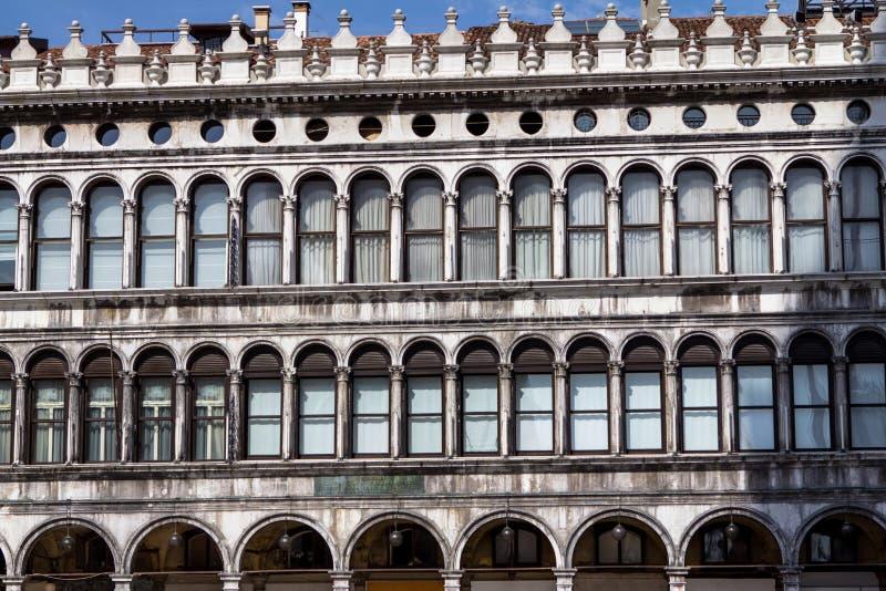 Gallerie della facciata sulla piazza San Marco a Venezia, Italia fotografia stock libera da diritti