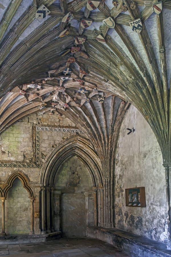 Gallerivalv runt om kloster av den Canterbury domkyrkan, UK royaltyfria foton