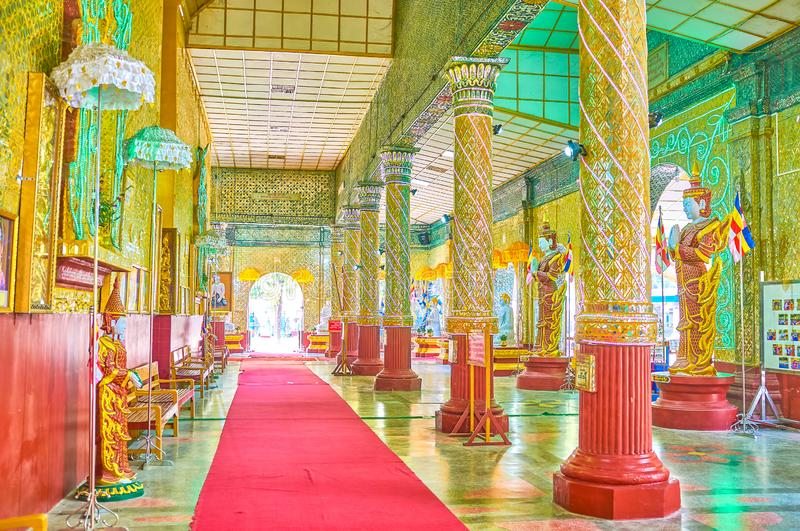 The gallery of shrine of Kyauktawgyi Buddha Temple in Mandalay, stock image