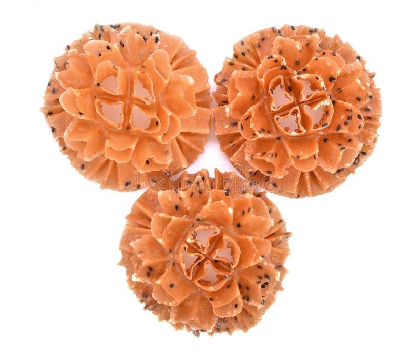 Galleta curruscante del flor del loto, galletas tailandesas, aislante en el backg blanco imagen de archivo libre de regalías