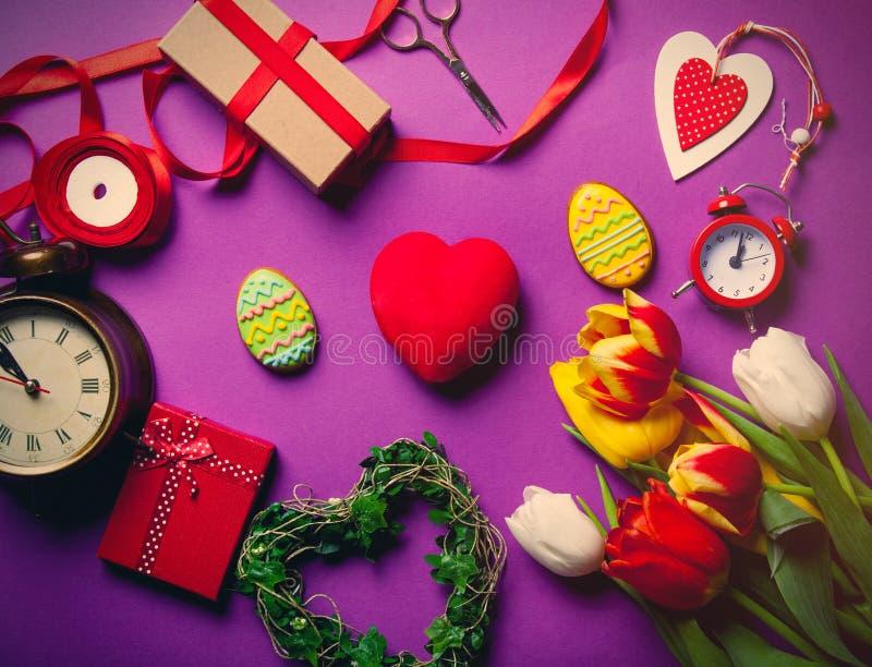 Galleta y regalos de Pascua fotografía de archivo libre de regalías