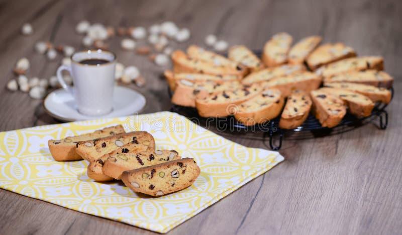 Galletas de almendra italianas tradicionales del cantuccini Biscotti hecho en casa delicioso del cantucci fotos de archivo libres de regalías