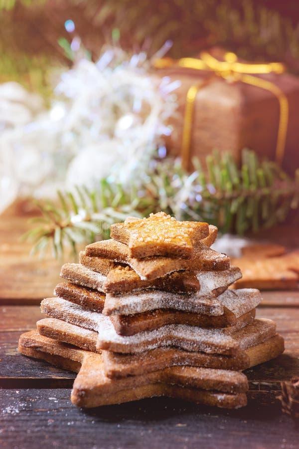 Galletas de azúcar de la forma de la estrella de la torta dulce fotografía de archivo