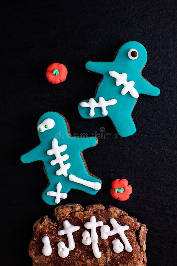 Galletas de azúcar de lujo hechas en casa del monstruo del concepto de la comida para el partido o h imagenes de archivo
