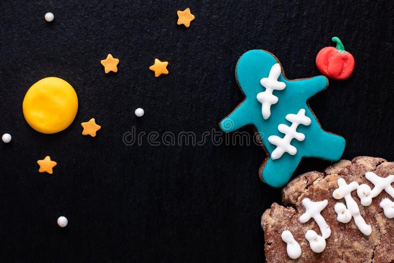 Galletas de azúcar de lujo hechas en casa del monstruo del concepto de la comida para el partido o h fotos de archivo libres de regalías