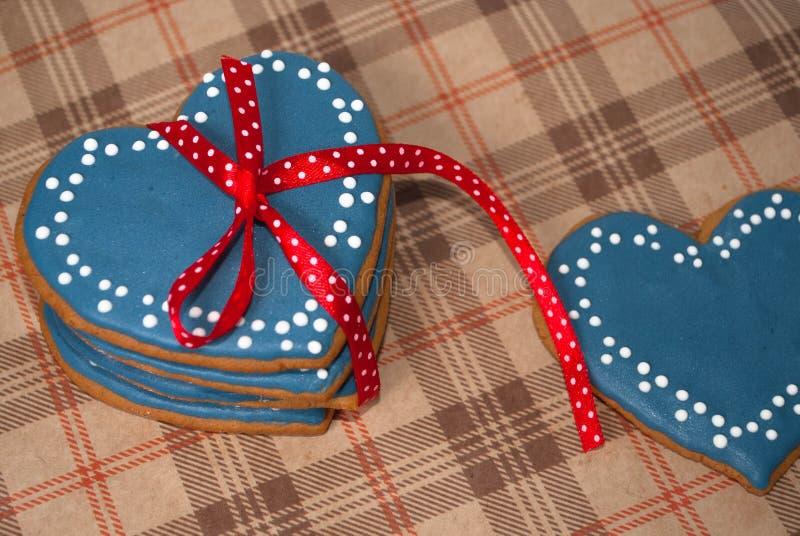 Galletas de la formación de hielo del corazón para el día del ` s de la tarjeta del día de San Valentín del santo foto de archivo libre de regalías