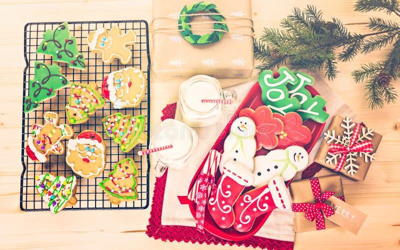 Download Galletas de la Navidad foto de archivo. Imagen de plano - 64200646