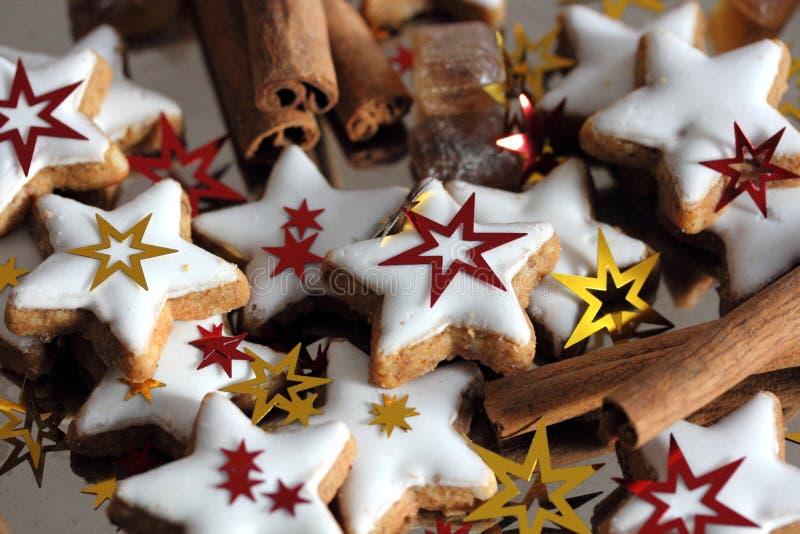 Galletas de la Navidad - estrellas foto de archivo libre de regalías