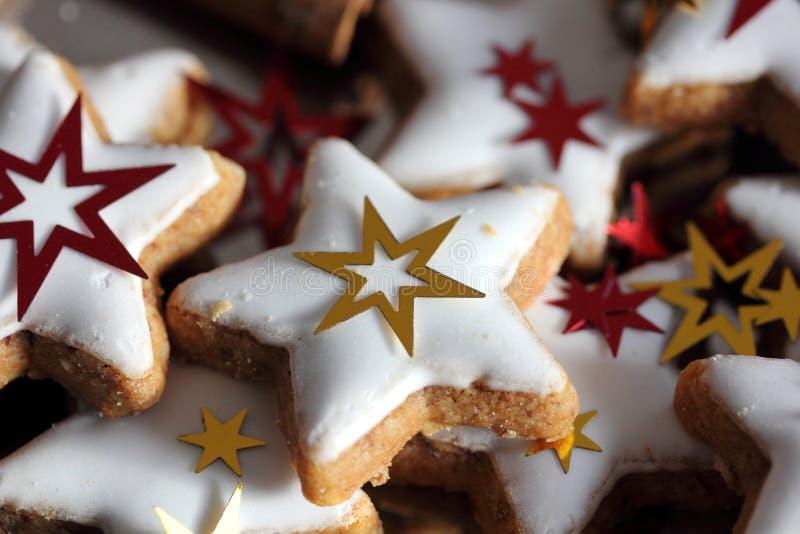 Galletas de la Navidad - estrellas imagen de archivo
