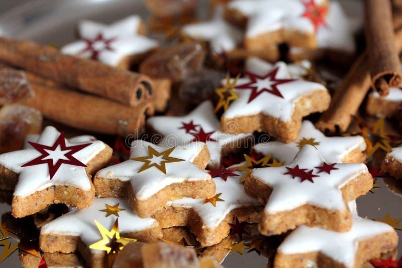 Galletas de la Navidad - estrellas fotografía de archivo libre de regalías