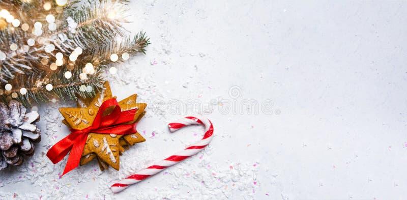 Galletas de la Navidad y fondo del extracto del día de fiesta fotos de archivo libres de regalías