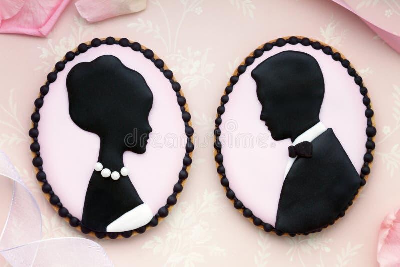 Galletas de novia y del novio foto de archivo