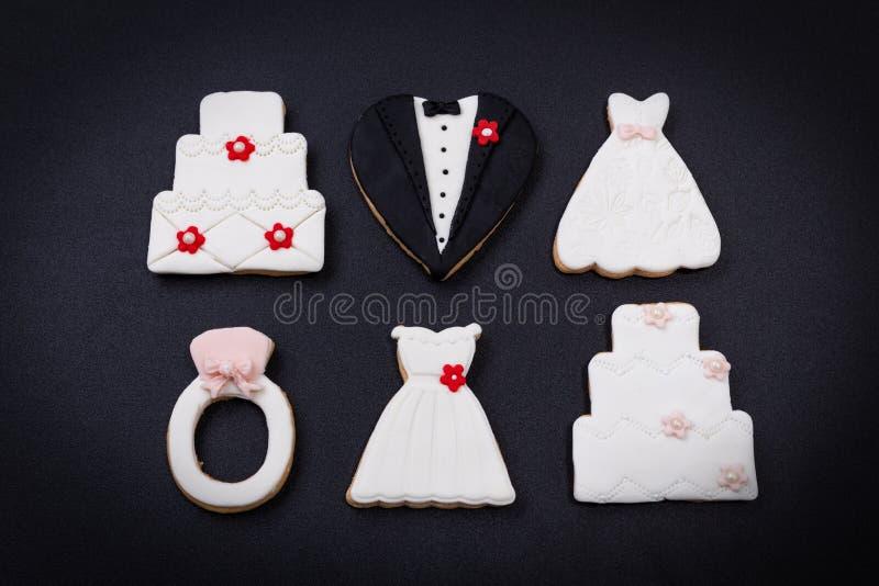 Galletas decorativas para la ceremonia que se casa, cierre para arriba fotografía de archivo libre de regalías