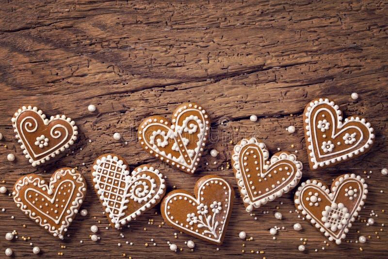 Galletas del corazón del pan de jengibre fotos de archivo libres de regalías