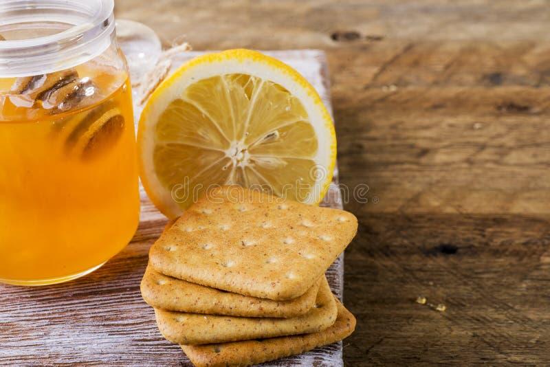 Galletas del limón y de la miel fotos de archivo