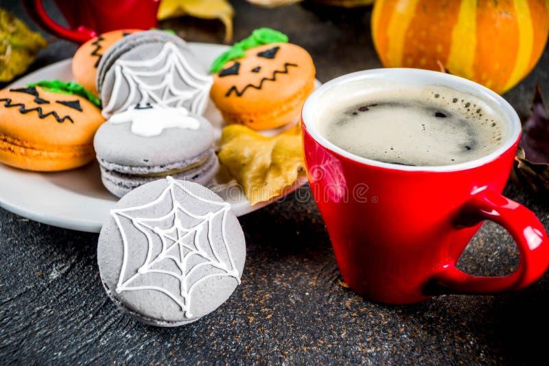 Galletas del macaron de Halloween imágenes de archivo libres de regalías