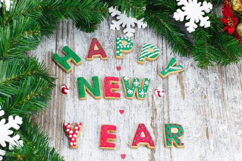 Galletas del pan de jengibre. Galletas de la Navidad. Decoración festiva fotos de archivo
