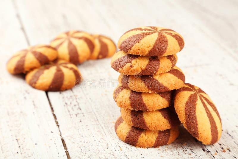 Download Galletas Deliciosas En El Fondo De Madera Blanco Foto de archivo - Imagen de primer, chocolate: 44853622